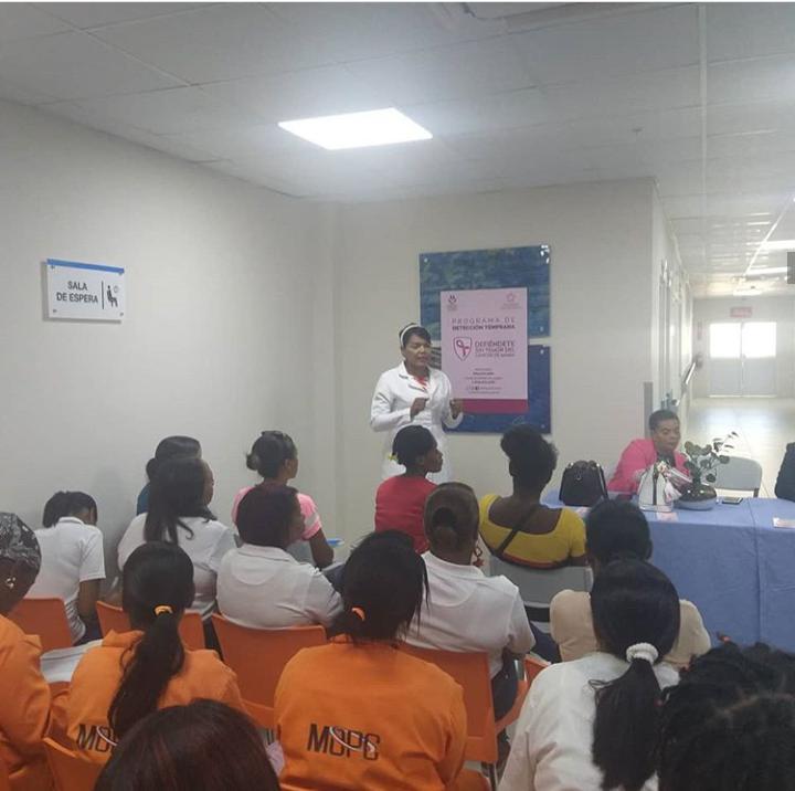 HCJB y CPNA imparten charla de Prevención, Sensibilización y Detención contra el Cáncer de Mama
