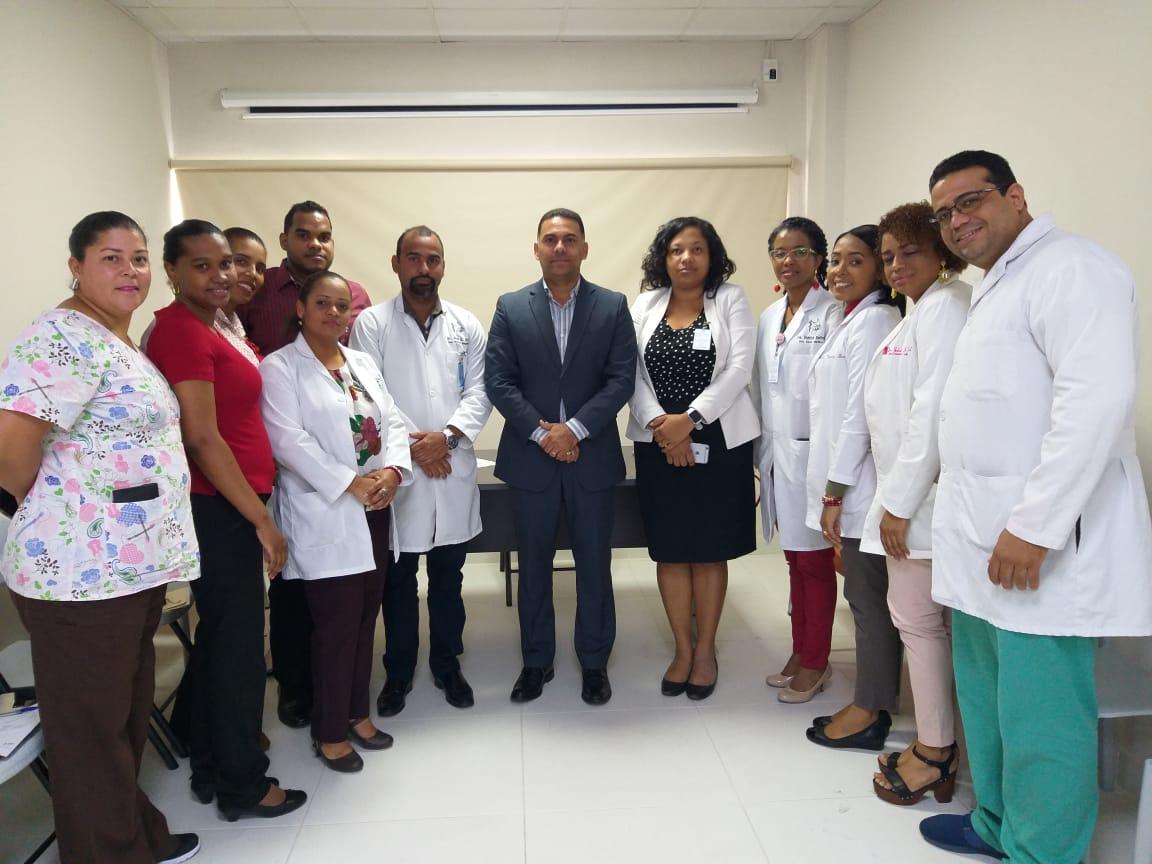 El Servicio Nacional de Salud (SNS) entrega al menos doce nombramientos más a profesionales de la salud en el hospital Ciudad Juan Bosch