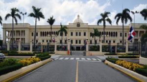 Presidente Danilo Medina suspende cómputo procedimientos administrativos Administración Pública durante estado de emergencia.