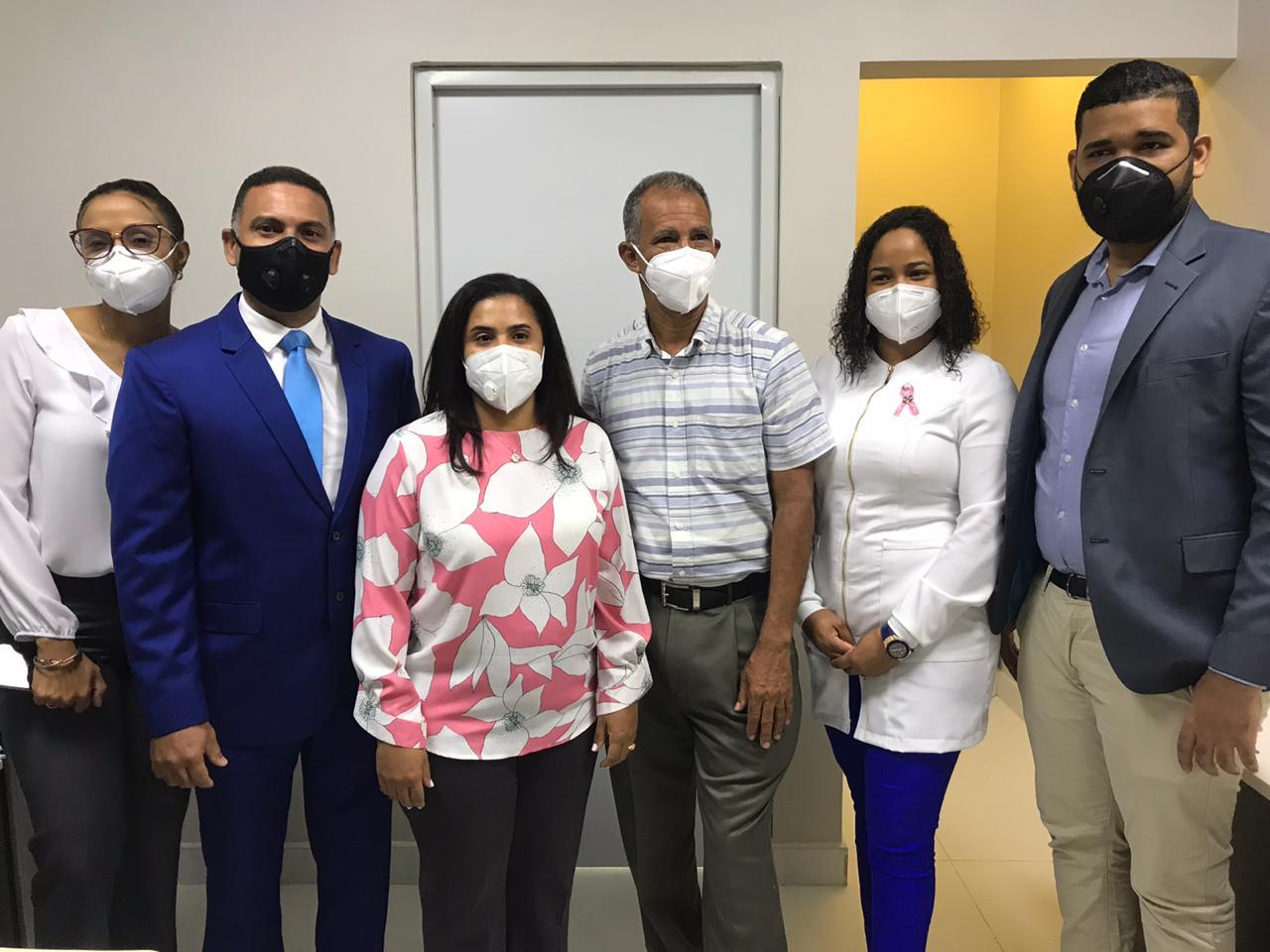 doctora Marilelda Reyes Pérez asume administración general Hospital Ciudad Juan Bosch (HCJB). Su gestión estará enfocada en trabajar en equipo