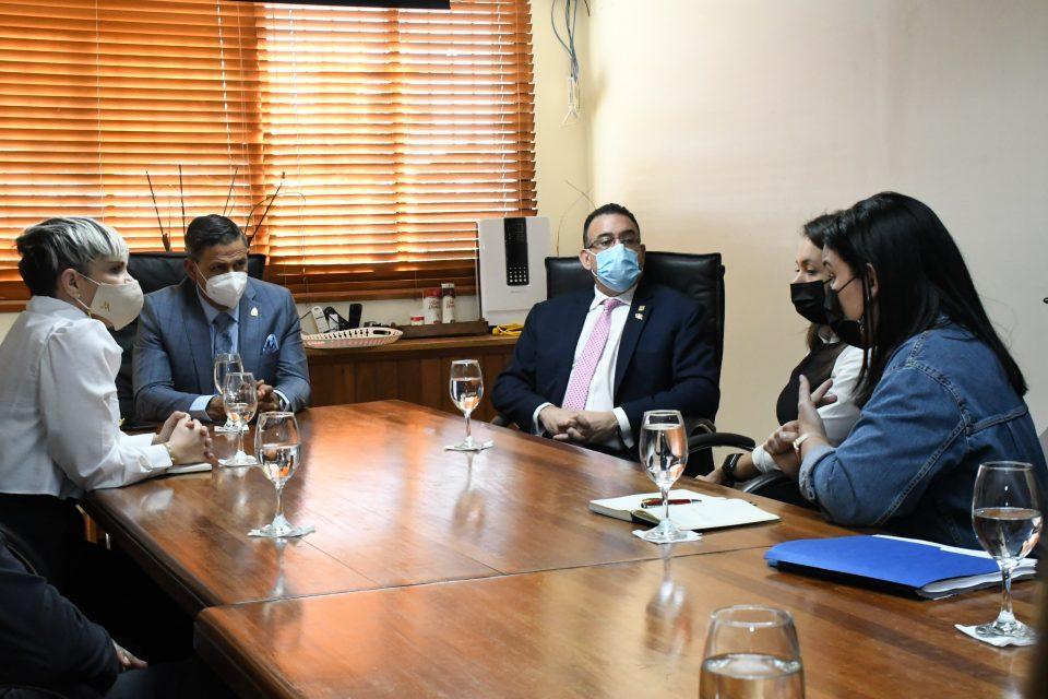 Autoridades reciben comisión de Asociación de Gimnasios para tratar protocolos y visitas de inspectores de COVID-19