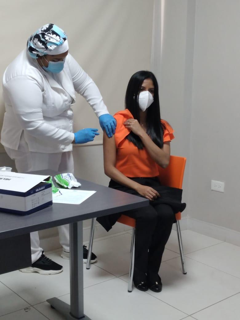 Hospital Ciudad Juan Bosch (HCJB) inicia proceso de vacunación contra el (Coronavirus) Covid -19