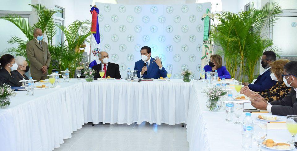 Ministro de Salud encabeza, como presidente, su primera reunión del Consejo Nacional de la Persona Envejeciente